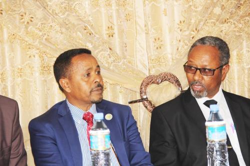Wasiir Somaliland oo ka Hadlay Gabar ay isku Reer Yihiin oo Qabiilka Gabooye Guursatey (daawo)