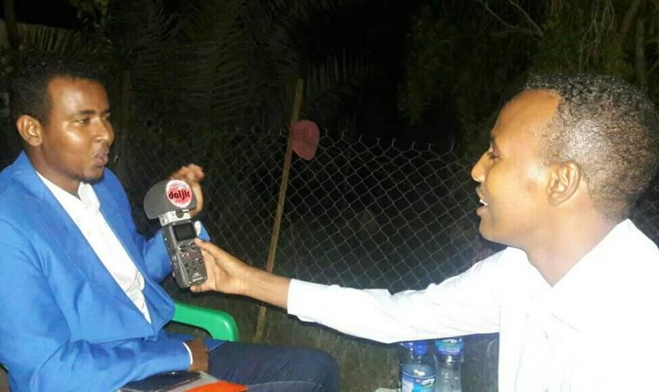 Maanka Dadweynaha iyo Makrafoonka Daljir & M Fantastik (dhegayso)