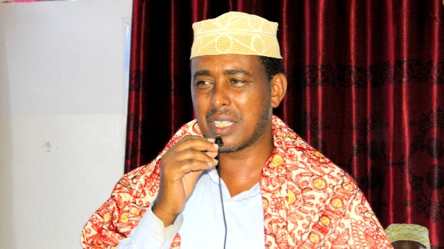 """Yaasin Cabdisamad: """" Somaliland waa la iska difaacaya, Cashar ayaa loo dhigayaa ,Shacabkuna hatageero dowladda""""  (dhegayso)"""