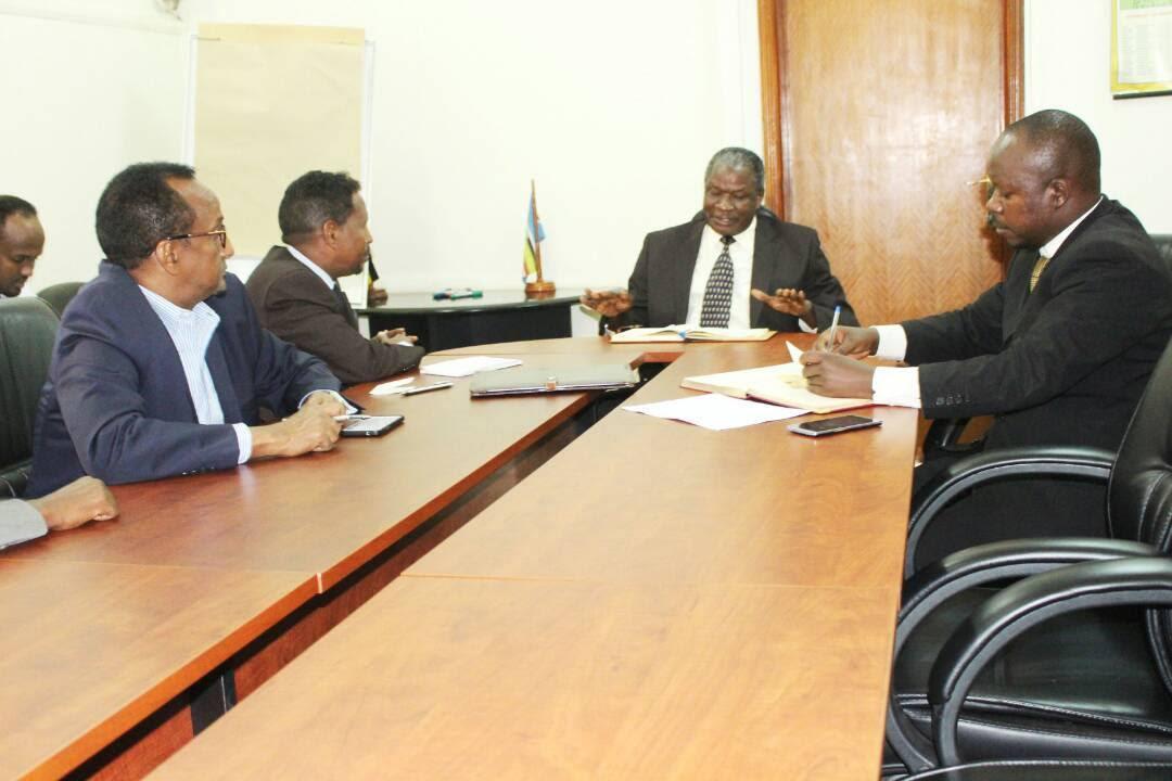 Uganda oo Soomaalida u Fududaynaysa Dalkugalkeeda