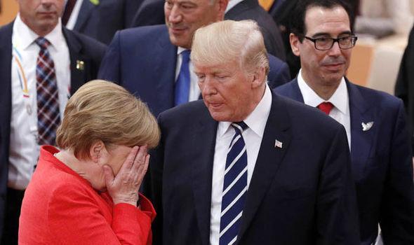 Madaxweyne Trump oo Saxiixay Xayiraad Lagu Soo Rogey Ruushka