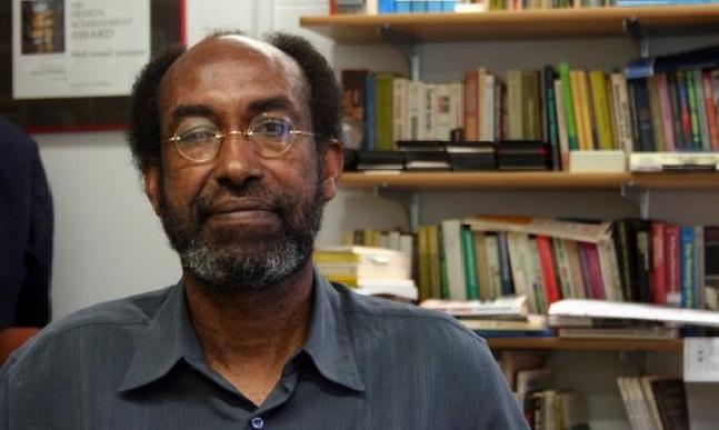 Prof. Cabdi Ismaaciil Samatar oo Kismaayo ku soo Bandhigay Buug Taariikhda Soomaaliya (dhegayso)