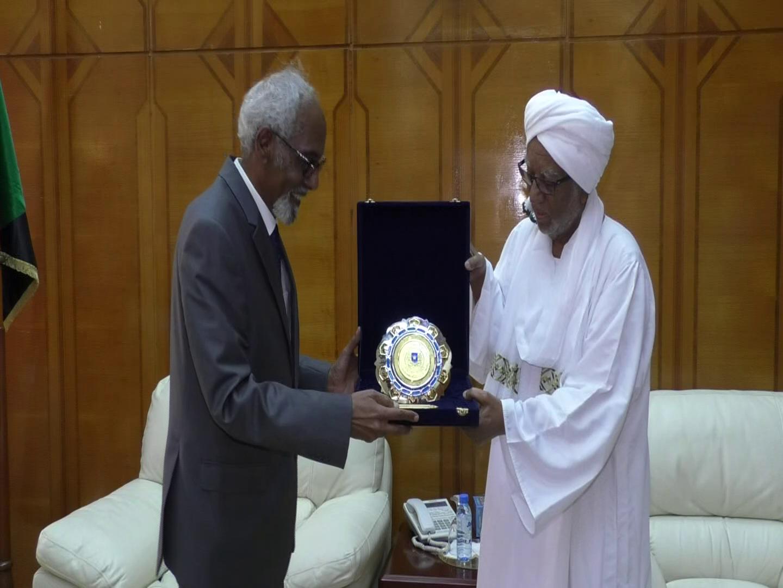 Gudoomiyaha Barlamaanka Somaaliya Jawaari oo Khartoum kula kulmay Dhigiisa