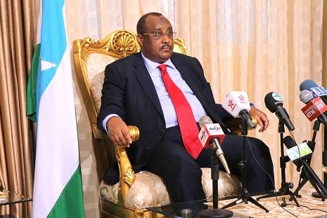 Madaxweyne Gaas oo sheegay in la xoreynayo dhulka Somaliland ku soo duushay (dhegayso)
