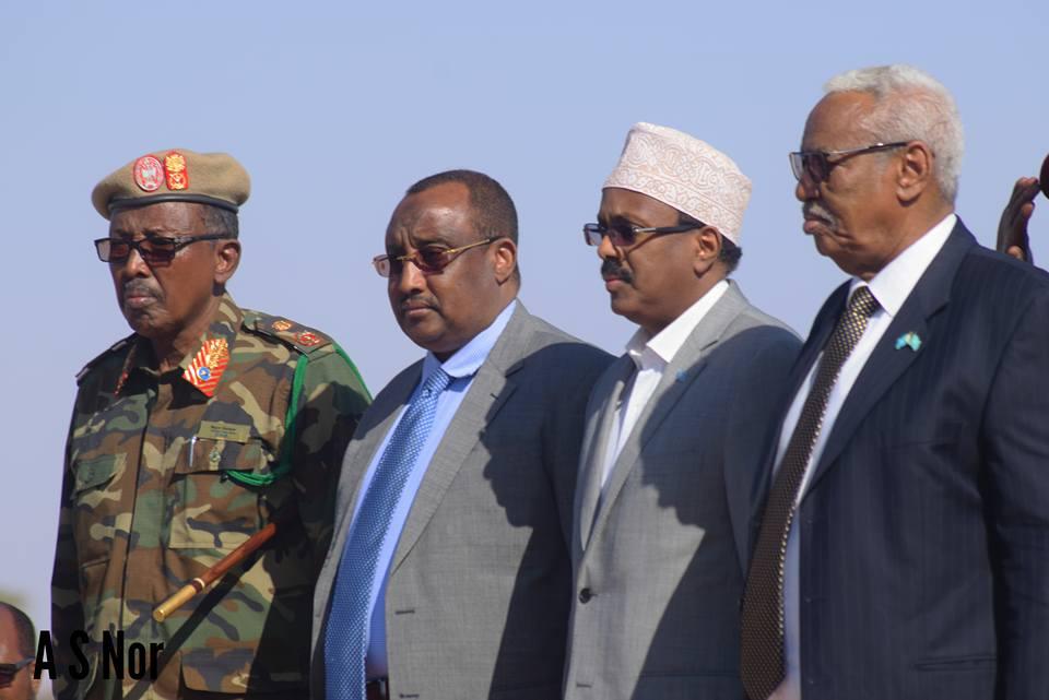Faahfaahin: Madaxweyne Farmaajo iyo Wafdigiisi oo Gaalkacyo si Qurux Badan loogu Soodhaweyaay (dhegayso+Sawiro)