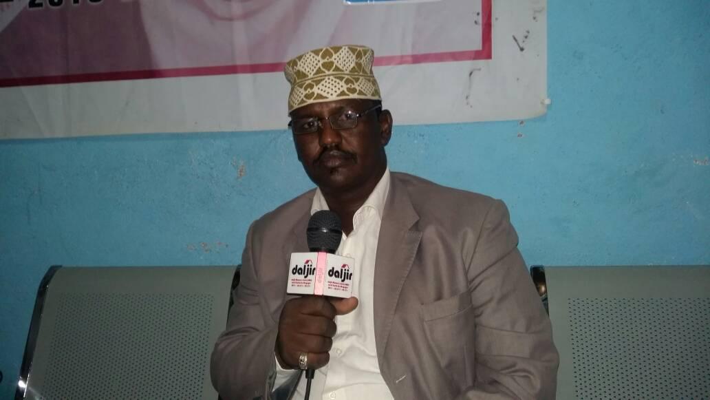 """Wacaal daray ah: Guddoomiyaha Gobalka Nugaal Faraweyne: """"Gadiidka Ganacsi ee u Safra Somaliland, way hakisay Puntland ilaa Amar dambe""""(dhegayso)"""