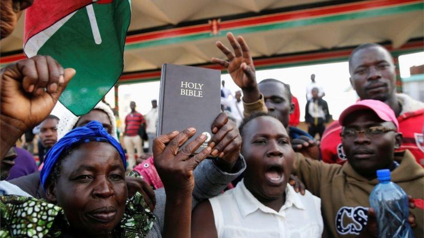 Wacaal Daray ah: Odinga oo loo dhaariyay madaxwaynaha Kenya