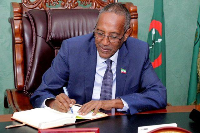 Madaxweynaha Somaliland oo Maanta Magacaabay Guddoomiyaal degmooyin (Akhriso)