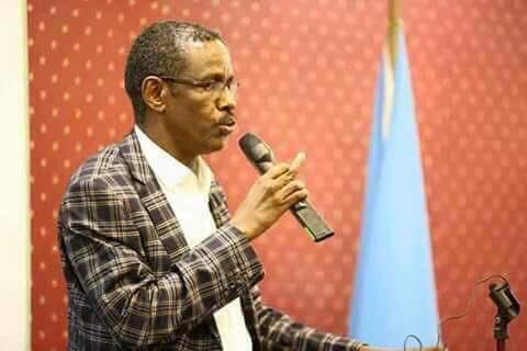 Senator Fartaag oo kadigay Faragalinta Kenya ku hayso Baladxaawo,isago dhaliilay Xukumadda Farmaajo