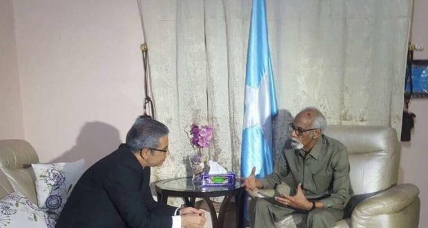 Jawaari oo Muqdisho ku qaabilay Safiirka Turkiga ee Somaaliya