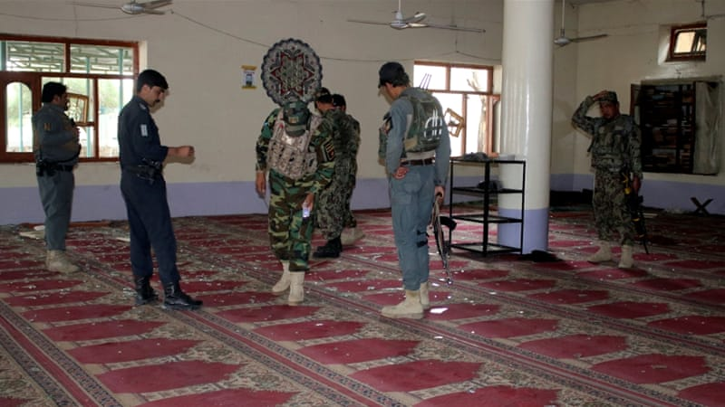 Qarax kadhacay Masaajid kuyaala dalka Afgaanistaan oo dilay 14 ruux