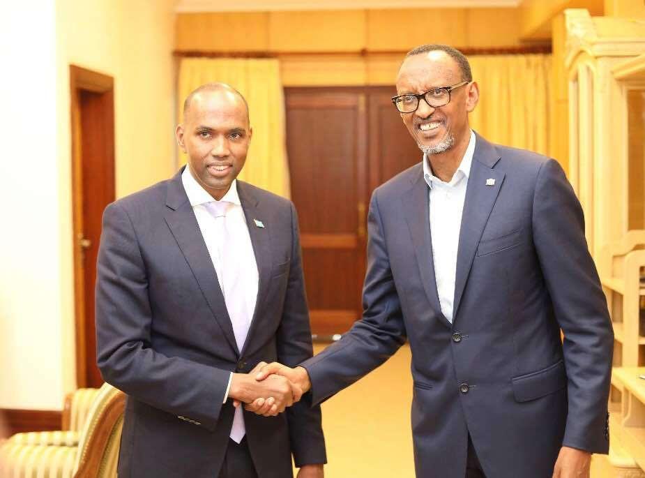 """Ra'iisul Wasaare Xasan Cali Khayre oo La Kulmay Madaxweyne Paul Kagame """"SAWIRRO"""""""