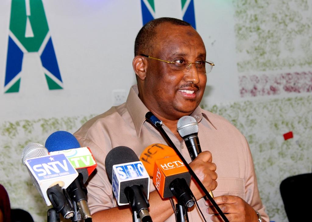 Madaxwayne Gaas oo ka hadlay duulaanka Somaliland, Al-shabaab iyo Daacish (dhegayso)