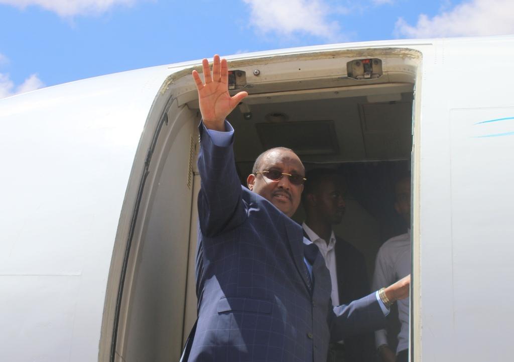 Faahfaahin: Madaxweyne Gaas oo u duulay Nairobi (dhegayso/sawirro)