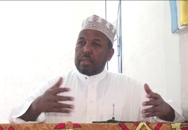 Culumadda Somaliyeed oo si kulul uga hadlay Khilaafka DFS iyo Dowlad gobaleedyada (Daawo)
