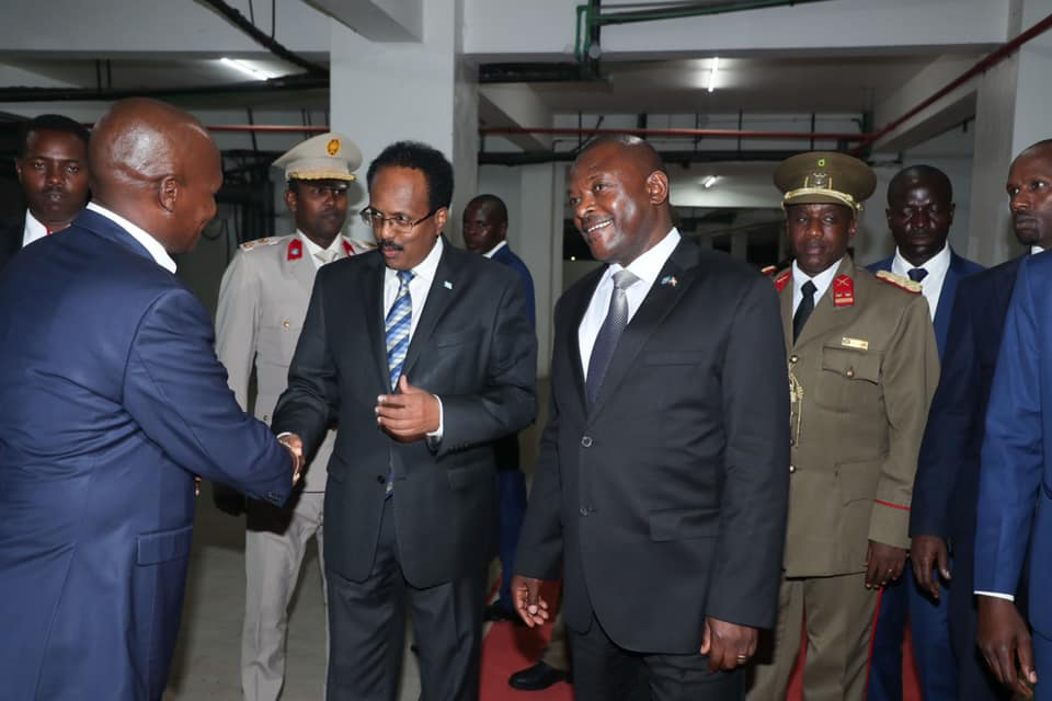 Madaxweyne Farmaajo iyo dhigiisa Burundi oo kulan yeeshay (Sawiro)