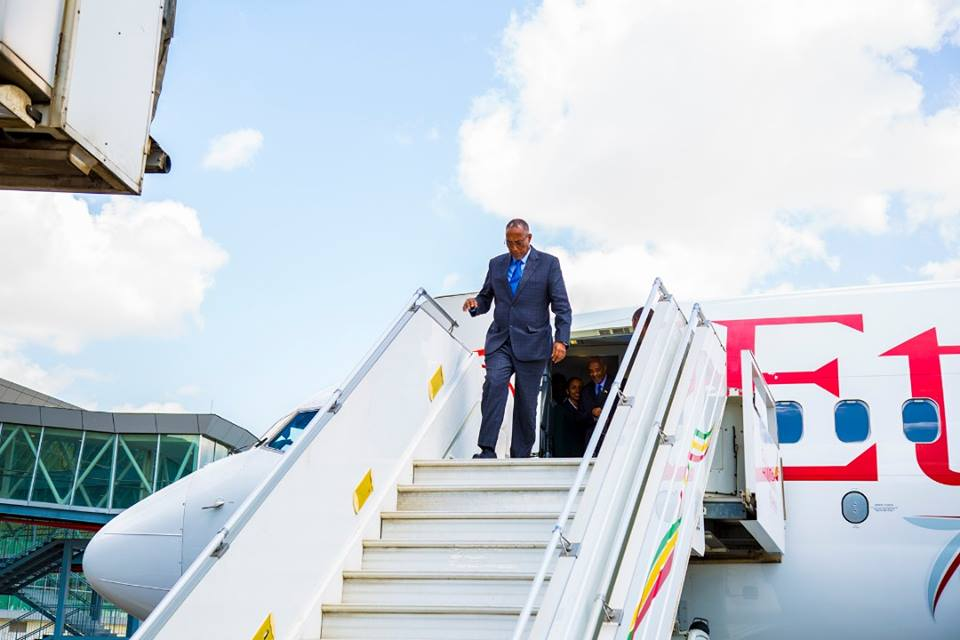Madaxweynaha Somaliland oo gaaray Addis Ababa (Sawiro)