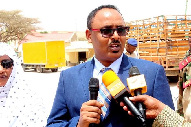 Wasiirka Gaashandhiga Somaliland oo beeniyeey in Musuq loo xiray (Daawo)