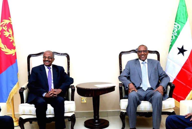 Madaxweynaha Somaliland iyo Wasiirka Arrimaha dibadda Eritrea oo kulmay
