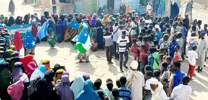 """Ciyoon, Guddoomiyaha Gobolka Sanaag: """"Waxaan wadnaa qorshe aan Somaliland gobolka oo dhan uga saareyno"""" (dhegayso)"""