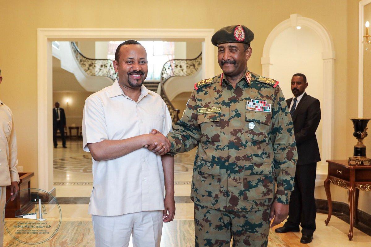 RW Abiy Axmed oo dhex-dhexaadin ka bilaabay dhinacyada Suudaan` (Sawiro)