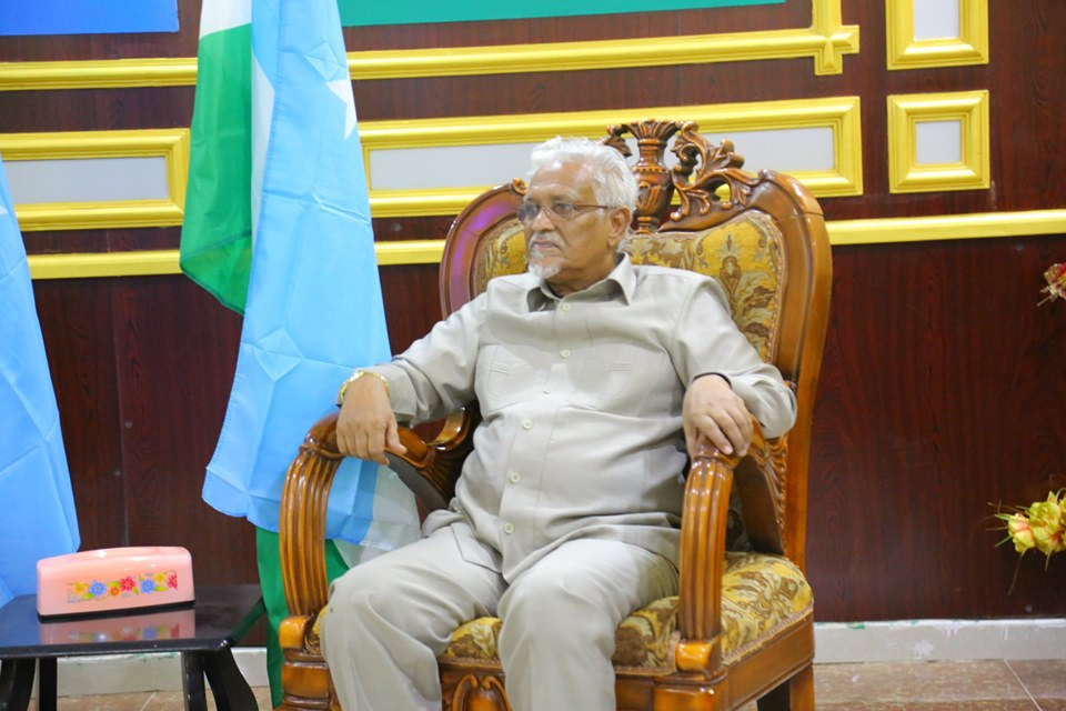 Madaxweyne Ku-xigeenka Puntland oo Kulan la qaatay Guddiga Gurmadka Fatahaadaha Roobka ( Sawiro)