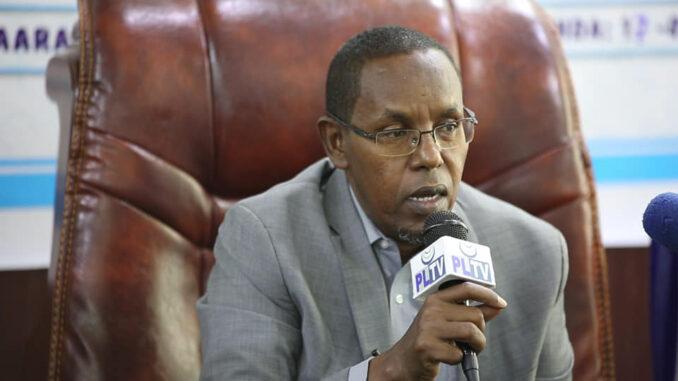 Wasiirka Maaliyadda Puntland oo Daljir uga waramay canshuurta lagu soo rogay badeecadaha ka yimaada Somaliland (dhegayso)