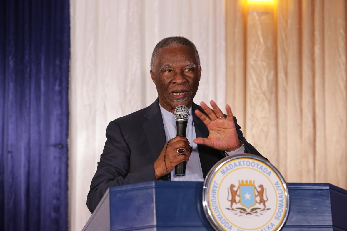 """Madaxwaynihii hore Koonfur Afrika Mbeki """"Soomaaliya waxaan joogay iyadoo xoog leh"""" (sawiro)"""