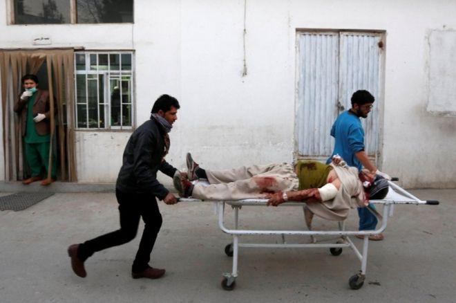 Afghanistan: Qarax dad ay ku dhinteen oo ka dhacay Masjid