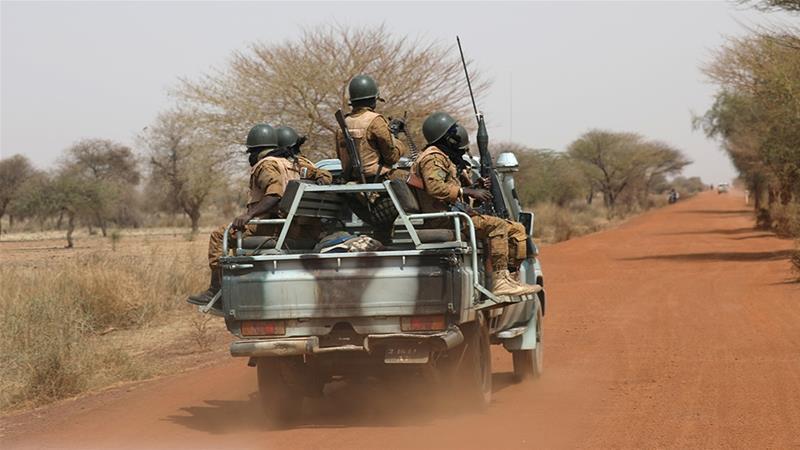 Burkina Faso oo dad shacab ah lagu laayay