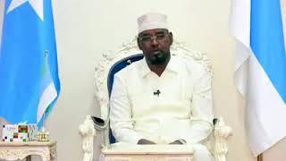 Madaxweyne Axmed Madoobe oo shacabkisa ugu hambaleyeey Munaasabada Ciida Fariina u diray (Daawo)