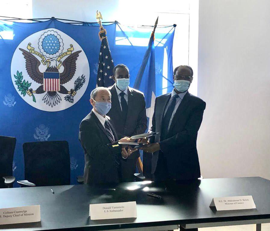 Ambassador Yamamoto and Minister of Finance Beileh Sign Bilateral Agreement on Paris Club Debt