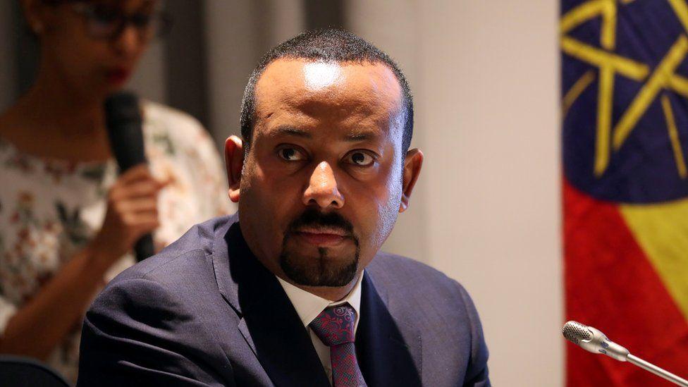 Ethiopia oo dhaqaale xumo awgeed u xireysa 30 safaaradood